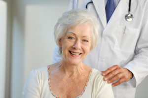 old_woman_with_doctor