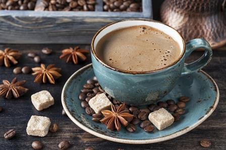 Не вызывает рак. Как врачи и ученые реабилитируют кофе